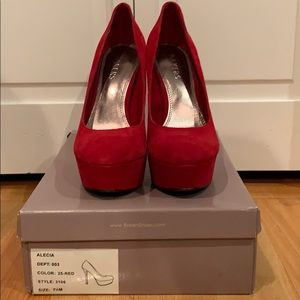 BAKERS ALECIA HEELS (Size 7 1/2)—Color: Red